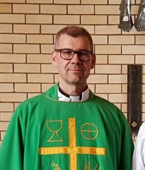 Pastori Tommi Vuorinen Brisbanen suomalainen seurakunta